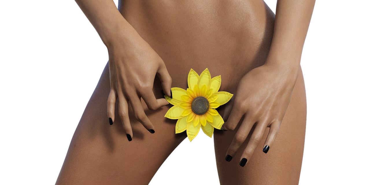 A Massagem Yoni é uma prática milenar que trata o corpo de uma mulher com um senso de adoração.